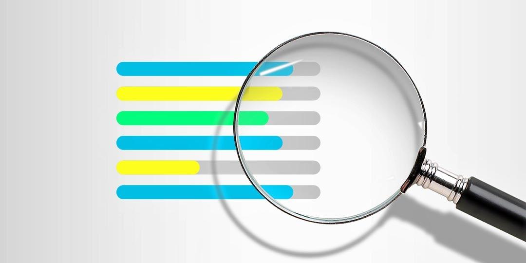Выполняется ли анализ отклонения фактических показателей от плановых?
