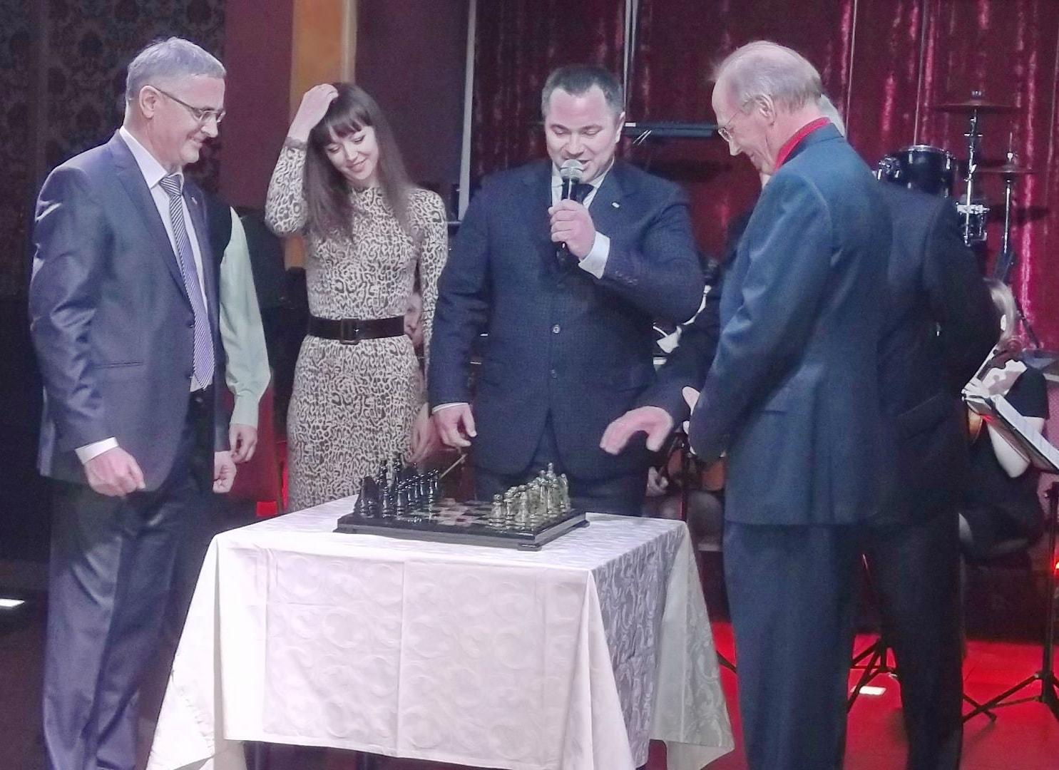 Поздравление с 20 летним юбилеем компании ТОП СОФТ